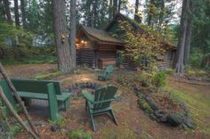 Cabin that fits 5 (reasonably priced at $175/night) near Mt. Hood.