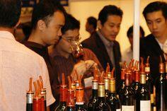 Las ventas de vino español en China crecen un 41% http://www.vinetur.com/2013102413715/las-ventas-de-vino-espanol-en-china-crecen-un-41.html