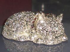 *Lazy Cat* Swarovski Crystals Jewelry Trinket/Pill Box ✦ ˚̩̥̩̥✧̊́Ḅ̥̲̊͘Ι̥Ꭵ̗̊ꉆ̖̀ɢ̥͠✦̖̱̩̊̎̍Ḅ̤̥̿̀l̯̊l̳̹͘͝ŋ̊Ꮹ̥̀✧̊́˚̩̥̩̥