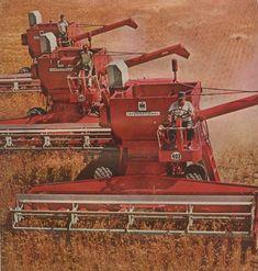 Case Ih Tractors, Big Tractors, Farmall Tractors, Antique Tractors, Vintage Tractors, Vintage Farm, Wheel Horse Tractor, Red Tractor, International Tractors