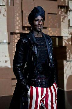 Porque los hombres también pueden estar fabulosos con un turbante   Respeitável!!!!!!