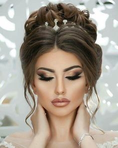 Special hairstyle and glam makeup bridal makeup , Special hairstyle and glam makeup Special hairstyle and glam makeup. Simple Wedding Makeup, Bridal Makeup Looks, Wedding Makeup Looks, Simple Makeup, Glam Makeup, Bride Makeup, Hair Makeup, Makeup Hairstyle, Makeup Style
