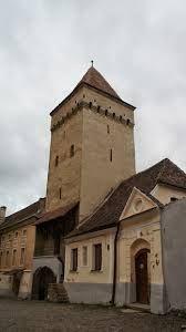 Imagini pentru turnul croitorilor medias Notre Dame, Mansions, House Styles, Building, Travel, Google, Home Decor, Mansion Houses, Construction