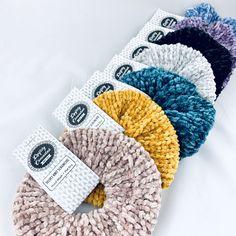 Addi Knitting Machine Velvet Scrunchies I love the knit velvet scrunchies created on the Addi King Knitting Machine! Addi Knitting Machine, Circular Knitting Machine, Knitting Machine Patterns, Loom Knitting, Crochet Patterns, Knitting Help, Hand Knitting, Stitch Patterns, Velvet Hair