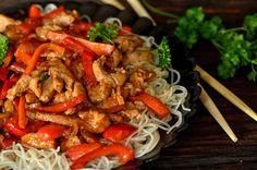 obiad, wieprzowina, polędwiczki , chińszczyzna Asian Recipes, Ethnic Recipes, Chinese Chicken, Kung Pao Chicken, Wok, Japchae, Food And Drink, Menu, Cooking Recipes