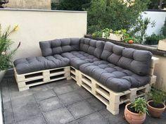 Pallet Outdoor Furniture Pallet Sofa Ideas in Outdoor Lounge Pallet Garden Furniture, Pallet Furniture Designs, Outdoor Furniture Design, Furniture Ideas, Diy Sofa, Diy Pallet Couch, Pallet Lounge, Pallet Exterior, Banquette Palette
