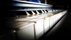2017-03-01 - Free piano wallpaper - #1643043