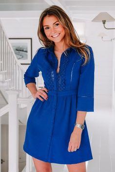 0c5f0fd51428 Jolie robe bleue chemisier avec ces détails en dentelles à l avant ! Manches  3