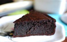 Torta di cioccolato senza glutine - Prova la torta al cioccolato per Carnevale in una ricetta speciale senza farina, quindi senza glutine, per un dolce al cucchiaio squisito da mangiare con gli amici celiaci.