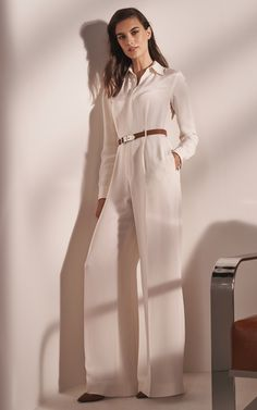 Get inspired and discover Ralph Lauren Icon trunkshow! Shop the latest Ralph Lauren Icon collection at Moda Operandi. Curvy Fashion, Daily Fashion, Girl Fashion, Fashion Outfits, Fashion Trends, Ralph Lauren Womens Clothing, Minimal Look, Ralph Lauren Style, Pants For Women