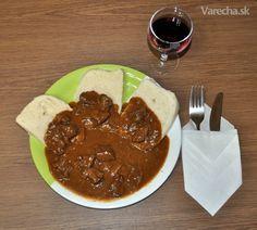 Dedkov guláš Food 52, Tacos, Pudding, Ethnic Recipes, Desserts, Goulash, Red Peppers, Kochen, Flan