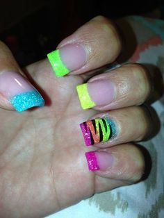 I would do all of my nails like the ring finger is done! Zebra Nails, Neon Nails, Love Nails, Pretty Nails, Glitter Nail Art, Nail Art Diy, Diy Nails, Cute Nail Designs, Acrylic Nail Designs