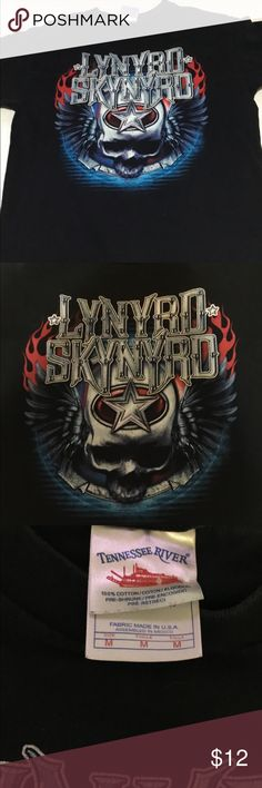 "Lynyrd Skynyrd t shirt sz M Lynyrd Skynyrd t shirt sz M.  Black tee with red white and blue graphic.  Minimal color loss, great graphic. No rips or stains. Armpit-armpit:  19.5"". Overall length:  28"". Tennessee River Shirts Tees - Short Sleeve"