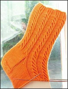 Ganz viele Anleitungen Mehr Always aspired to be able to knit, however undecided the place to begin? This kind of Utter . Free Knitting, Knitting Socks, Baby Knitting, Knitting Patterns, Crochet Patterns, Crochet Ideas, Crochet Slippers, Knit Crochet, Top Pattern