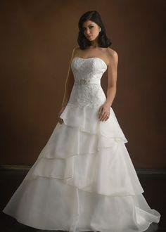 Gesinee's Bridal   Designer Gowns