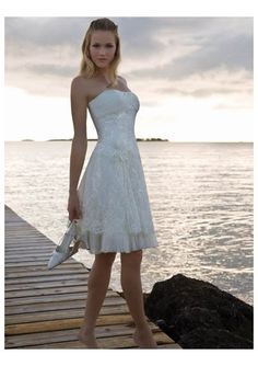 Show Me some short fun reception dresses! :  wedding Hot Sell Organza And Lace Strapless Short Knee Length Beach Wedding Gown A Line Short Style Wh 0044