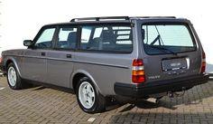 Deze Volvo 245 Turbo uit 1984 met 247.922km op de teller verkeert volgens de verkoper in top conditie en wordt te koop aangeboden in Nederland. De Volvo... Volvo Station Wagon, Volvo Wagon, Volvo Cars, Volvo 440, Volvo Estate, Cars Uk, Car Colors, Toyota Land Cruiser, Motor Car