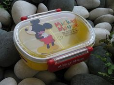 Mickey Mouse Bento Box Mickey Mouse Crafts, Mickey Mouse Kitchen, Bento Box, Lunch Box, Disney Kitchen Decor, Disney Home, Lunch Ideas, Mice, Kitchenware