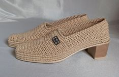 Knit Shoes, Crochet Shoes, Spring Boots, Heeled Mules, Knitting Patterns, Peep Toe, Fashion Accessories, Shoes Handmade, Loafers