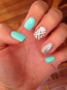 Summer nails, teal and sparkly