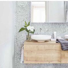 New ideas bathroom vanity ideas small wall colors Wood Bathroom, Bathroom Flooring, Bathroom Interior, Modern Bathroom, Design Bathroom, Bathroom Ideas, Silver Bathroom, Mirror Bathroom, Bathroom Cabinets