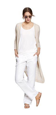 Damen Outfit White Silent Summer von OPUS Fashion: weißes Shirt, beige Strickjacke, weiße Leinenhose