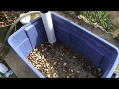 Build a DIY Wicking Bed Container Garden That Ensure Adequate Water For The Plants. Video - uses pipe w/holes, top pipe to fill, overflow outlet, gravel, landscape fabric above it and then soil. Looks like a great idea for a self watering garden pot. Container Food, Self Watering Containers, Container Gardening Vegetables, Vegetable Gardening, Wicking Garden Bed, Wicking Beds, Hydroponic Gardening, Gardening Tips, Backyard Aquaponics