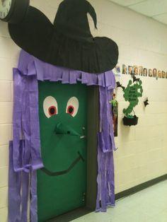 Jugando con Duendes y Hadas: Halloween door decoration- Decoración puerta del aula