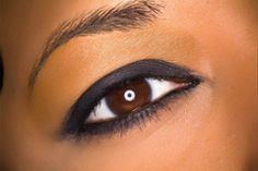 Three Eyebrow-Threading Sessions or Three Full-Face Threading Sessions at Styles of India (Half Off) Black Girl Makeup, Girls Makeup, Beautiful Eye Makeup, Beautiful Eyes, Full Face Threading, French Beauty Secrets, Beauty Tips, Beauty Ideas, Beauty Products