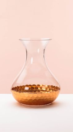 Bring texture and warmth to your tableware collection with our Copper Honeycomb Base Carafe. Hand finished in delicate copper foiling, complete the look with complementary pieces from our Mixed Metallics Collection. Copper Bedroom, Copper Rose, Rose Gold, Copper Interior, Copper Highlights, Gold Palette, Kitchen Collection, Summer Garden, Carafe
