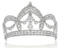Belle Epoque diamond tiara by Filippo Chiappe - created for the wedding of Count Carlo Raggio and Marchioness Tea Spinola in 1909 - via Christie's