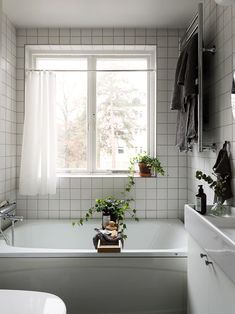 Beautiful Interior Design, Simple House, Interior, Tiny Bathrooms, House Interior, Home Deco, Room Decor Bedroom, Bathroom Decor, Bathroom Inspiration