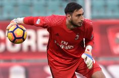 Gianluigi Donnarumma goalkeeper of Milan in action  during the Serie A match between US Citta di Palermo and AC Milan at Stadio Renzo Barbera on November 6, 2016 in Palermo, Italy.