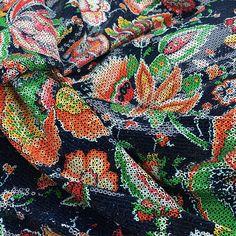 Je ne sais pas pourquoi mais j'ai complètement craqué ❤️❤️! #sequins #futurteddy #fabriclover #barcelona #ribesycasals