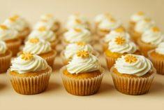 Magdalenka.cz » Recept » Vanilkové muffiny s dýní Mini Cupcakes, Sweet Recipes, Food, Autumn, Fall Season, Essen, Fall, Meals, Yemek