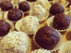 Ak máte radi kokos, tak tieto guľky sú určené priamo vám. Príprava trvá krátko, takže v priebehu pár minút máte dezert hotový.