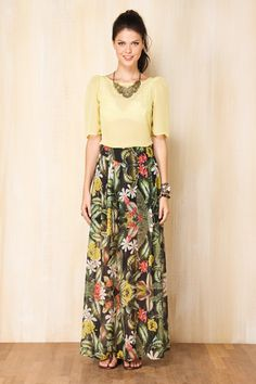 A long skirt looks elegant at any occasion it is worn to. It is an essential piece of clothing for […]