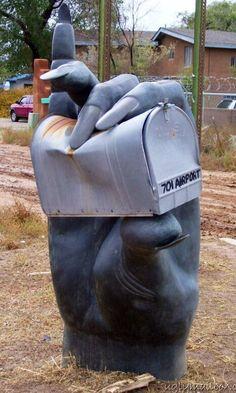 Hand mailbox