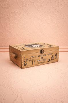 Boîte Couturière - Wooden box black and white stencil