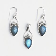 Set cercei și pandantiv Kamarhati, argint și labradorit, India  #metaphora #jewellery #jewelryset #silver #earrings #labradorite #india