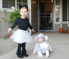 Sisters Halloween Costumes, Cat and Mouse Costume, Coordinating Sibling Costumes- at How Sweet This is! Sister Halloween Costumes, Childrens Halloween Costumes, Fröhliches Halloween, Holiday Costumes, Toddler Costumes, Family Costumes, Halloween Dress, Holiday Outfits, Sibling Costume
