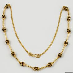 Mangalsutra Simple, Gold Mangalsutra Designs, Gold Earrings Designs, Gold Jewellery Design, Antique Necklace, Gold Necklace, Gold Jewelry Simple, Imitation Jewelry, Gold Accessories