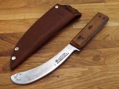 vtg I WILSON Sheffield antique RAZOR SHARP Skinning Knife CARBON STEEL Sheath #JohnWilson John Wilson, Butcher Knife, Skinning Knife, Wood Knife, Sheffield England, Mountain Man, Knives And Swords, Bushcraft, Kitchen Knives