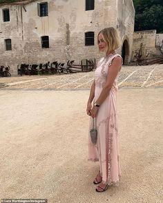 Pretty in pink! Lara Bingle stunned in a silk dress while on bridesmaid duties at her frie. Fashion 101, Fashion Beauty, Fashion Outfits, Pink Silk Dress, Lace Dress, Bridesmaid Duties, Bridesmaid Dresses, Bridesmaids, Lara Worthington