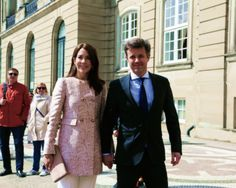 Frederik & Mary heading to a lunch to celebrate Princess Benedikte's 70th birthday, 2 May 2014.