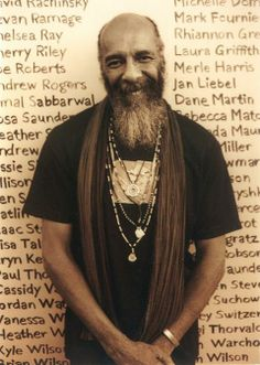 RIP, folk legend Richie Havens. Havens passed away today. He was 72 and died from a sudden heart attack. Here's the message from Havens' longtime booking agency, The Roots Agency: RICHIE HAVENS was gifted with one of the most recognizable … Continued Soul Artists, Music Artists, American Folk Music, Richie Havens, Sound Of Music, Music Music, Beard Styles, Classic Rock, You Fitness
