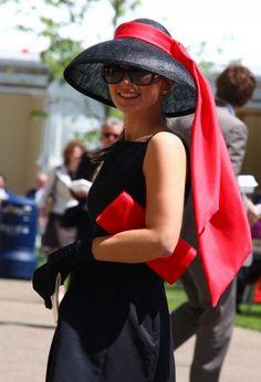Ascot meets Audrey Hepburn. #VDJfashion #racefashion