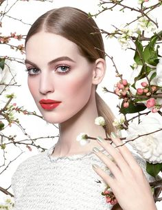 Chanel Beauty - CHANEL Spring 2015 Make Up Collection