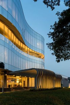 Eau Building / HMP Architects