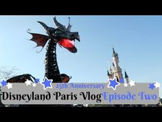 We continue our day in Disneyland Paris by eating the new anniversary burger in Discoveryland. Afterwards we ride for the first time Big Thunder mountai. Disneyland Paris, 25th Anniversary, Thunder, Statue, Youtube, Travel, Voyage, 25 Year Anniversary, Viajes
